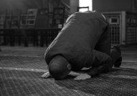 """Религиозное самобичевание - путь """"идеального"""" мусульманина?"""