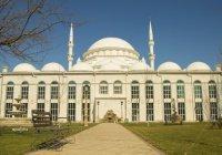 «Юсуф Бей Джами» - одна из красивейших мечетей в России, построенная турецкими мастерами