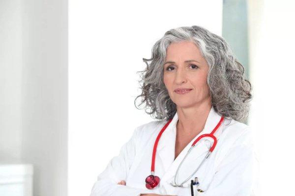 После инфаркта пациентки выживают с большей вероятностью, если их лечащий врач также женщина