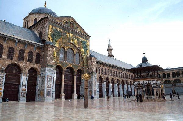 Мечеть Омейядов, также известная как Большая мечеть Дамаска - одна из крупнейших и старейших мечетей в мире.
