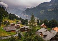Фонтаны земли и грязи залили город в Швейцарии (ВИДЕО)