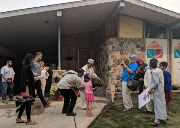 В прошедшие выходные в поддержку приверженца ислама и его семьи было организовано мероприятие солидарности