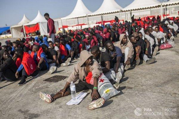 В общей сложности с начала года в Европу через Средиземное море прибыли 61,5 тыс. человек, 1,5 тыс. погибли