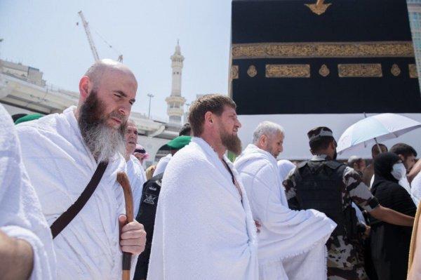 Из города Джидда глава республики отправился в Мекку для совершения обрядов паломничества