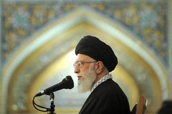 По словам аятоллы, хадж всегда был и является временем «солидарности и единства» мусульман
