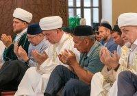 В Галеевской мечети прошел Курбан-байрам с участием Рустама Минниханова (ВИДЕО)