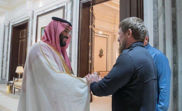Собеседники, в частности, обменялись поздравлениями в связи с праздником Ид аль-Адха