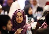 В США у мусульманки на 4 месяца отняли iPhone