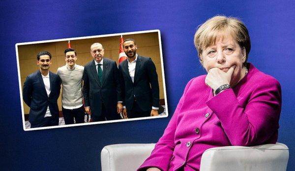 Меркель поддержала Месута Озила.