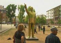Золотую статую Эрдогана установили в Германии