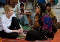 Кейт Бланшетт встретилась с мусульманми-рохинджа