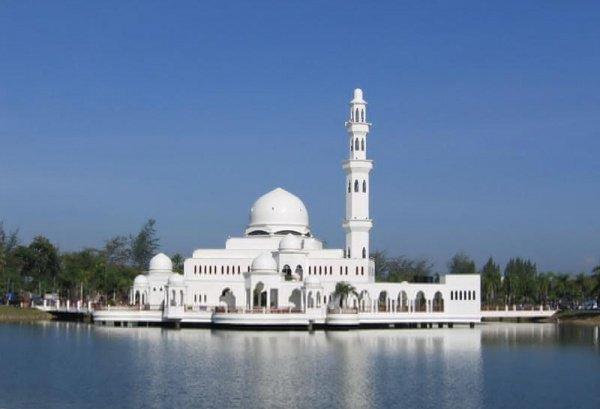 Завораживающие фото мечетей мира, окруженные водой (13 ФОТО)