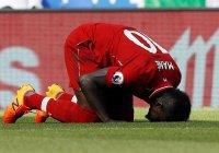 Футболист «Ливерпуля» после игры отправился мыть мечеть (Видео)