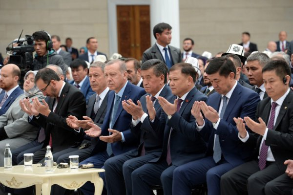 Эрдоган открыл в Бишкеке одну из крупнейших в Центральной Азии мечетей (Фото)