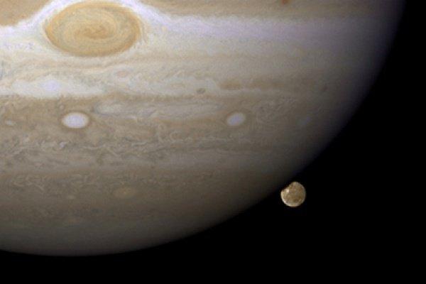 Магнитное поле Юпитера в 20 тыс. раз мощнее чем у Земли