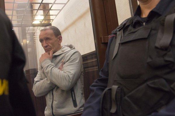 Сергей Генин в зале суда.