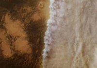 НАСА показало панораму Марса во время бури (ВИДЕО)