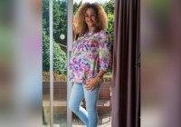 В Великобритании бабушка 8 внуков беременна четверней
