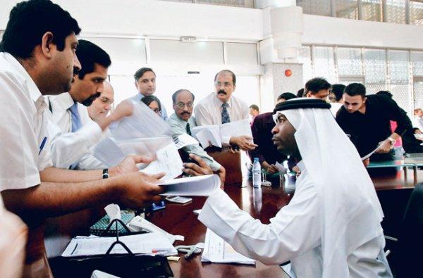 Власти ОАЭ объявили войну дискриминации при трудоустройстве.