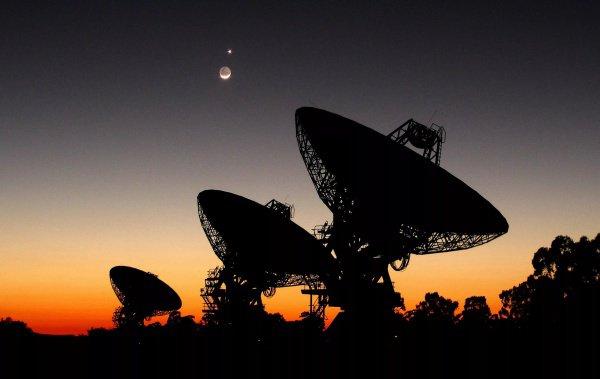 Сейчас экзопланеты определяют не напрямую, а исследуя характер поведения звезд