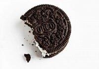 Печенье Oreo превратилось в средство для макияжа