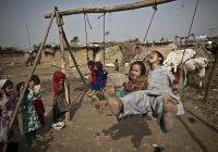 Пакистан пообещал гражданство детям афганских беженцев