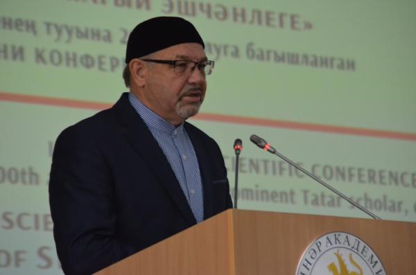 Ректор РИИ и БИА Рафик Мухаметшин