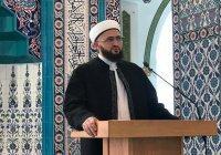 Муфтий РТ провел джума-намаз в мечети имени татарского шейха в Махачкале