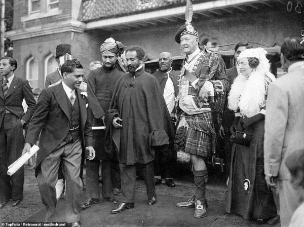 Первая мечеть в Великобритании, построенная венгерским евреем (ИСТОРИЧЕСКИЕ ФОТО)