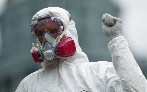 После обнаружения склада с радиоактивными материалами оценкой последствий и дезактивацией почвы займутся сотрудники спецслужб