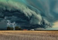 Google предскажет стихийные бедствия и плохую погоду