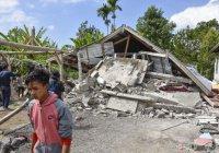 Под завалами храма в Индонезии нашли тела десятков детей