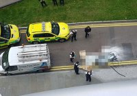 В Лондоне выпавшим с 27-го этажа стеклом убило прохожего