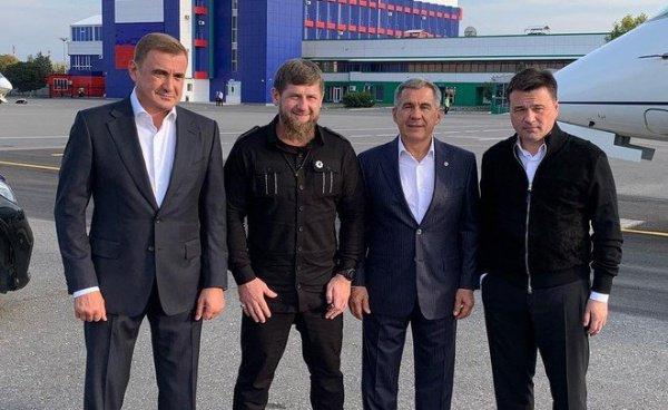В аэропорту Рустама Минниханова встретил Рамзан Кадыров.