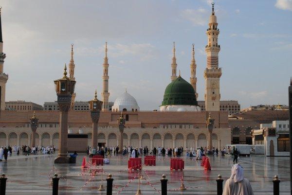 400 мусульман на смогли отправиться в Хадж.