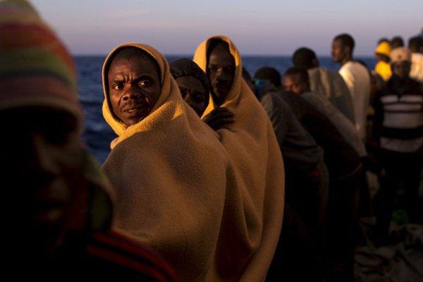 Поток мигрантов по Средиземному морю в Испанию в нынешнем году резко вырос