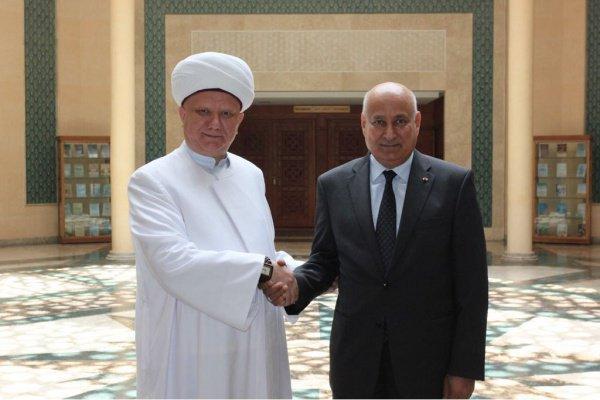 Альбир Крганов с главой ИСЕСКО Абдулазизом Аль-Тувейджри.