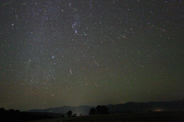 В соответствии с прогнозами экспертов, за час наблюдатели смогут насчитать до 25 метеоров