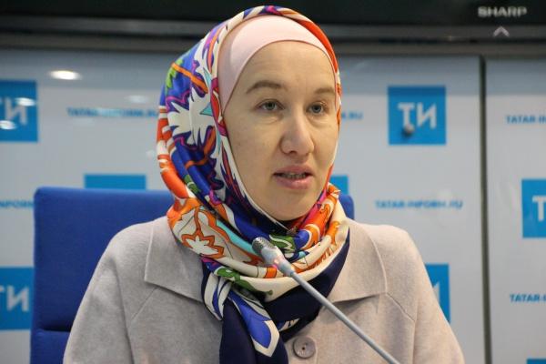 руководитель социального отдела ДУМ РТ Айгуль ханум Биктимирова