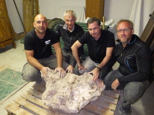 Метеорит, говорят специалисты, мог упасть на нашу планету 55 тыс. лет назад