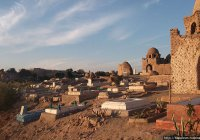В Египте работники кладбища распродавали останки человеческих тел