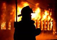 В США после удара молнии церковь сгорела дотла (ВИДЕО)