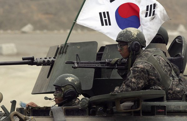 Уклонение от службы в армии по религиозным мотивам в Южной Корее больше не преступление.