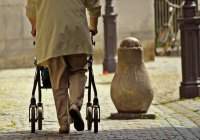 Ученые: 60-летние женщины подвижнее мужчин