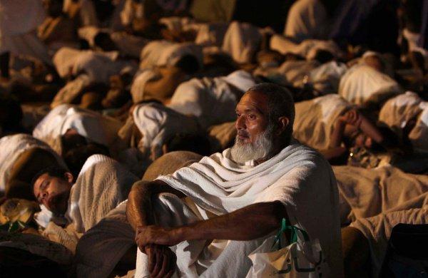 Саудовская Аравия запретила Хадж по временным документам.