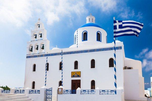 В Греции священнослужителей оставят без зарплаты