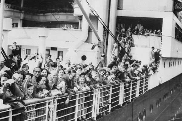 "Историческое фото. Евреи на корабле ""Сент-Луис""."