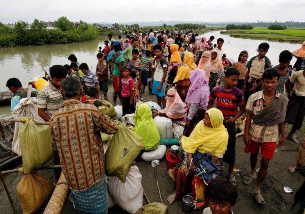 Из Мьянмы в Бангладеш бежали сотни тысяч мусульман рохинджа.