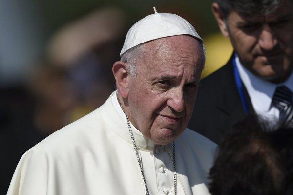 Понтифик помолился за мир на Ближнем Востоке.