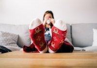 Редкая болезнь заставила девочку ходить в школу в пижаме